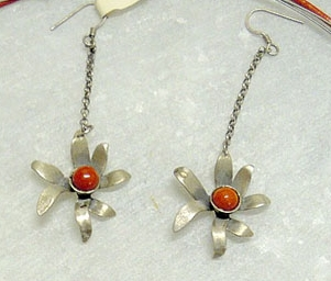 Silver earrings with flowers and coral bead