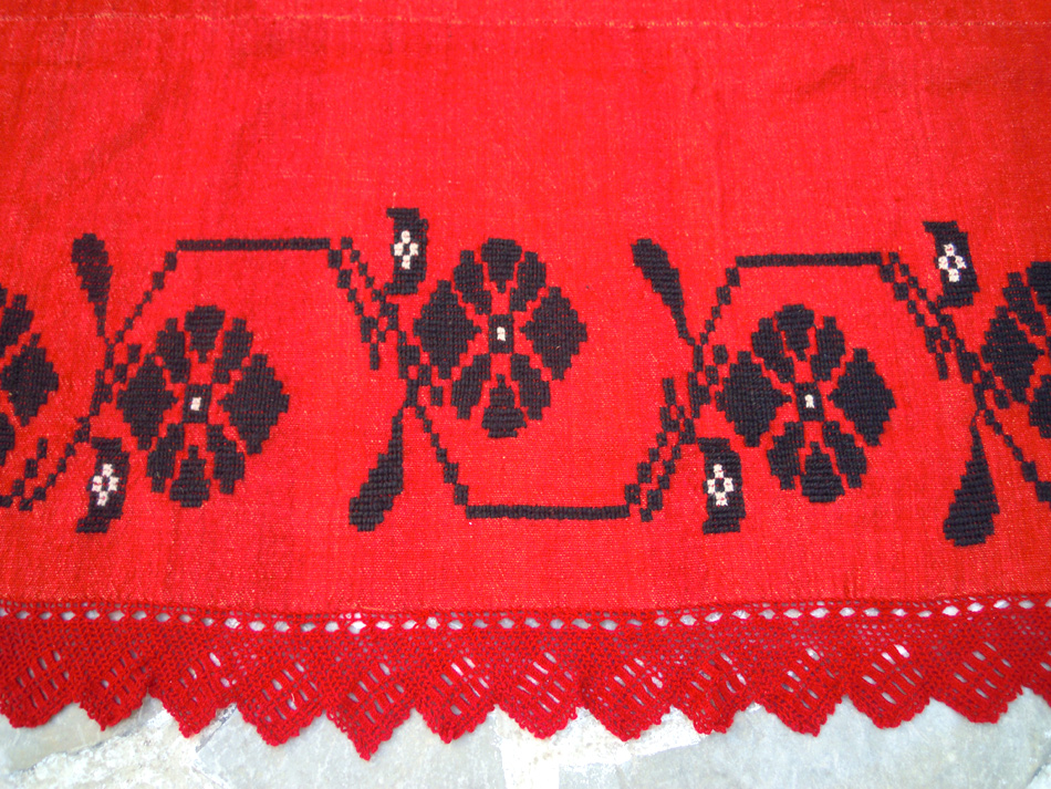 Hand woven wool blanket