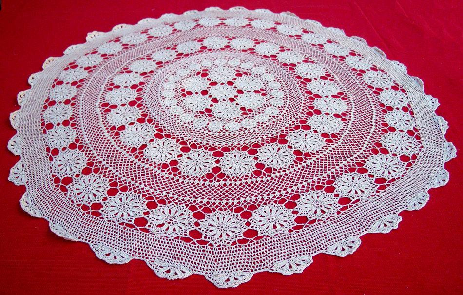 Vintage Handmade Round Tablecloth With Crochet Naxos Art Techni