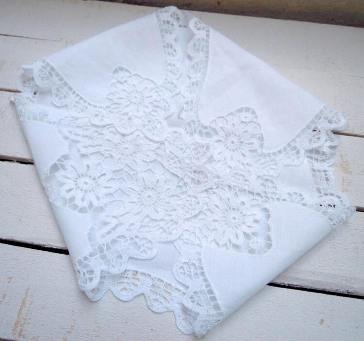 Hand crochet cloth for bread basket