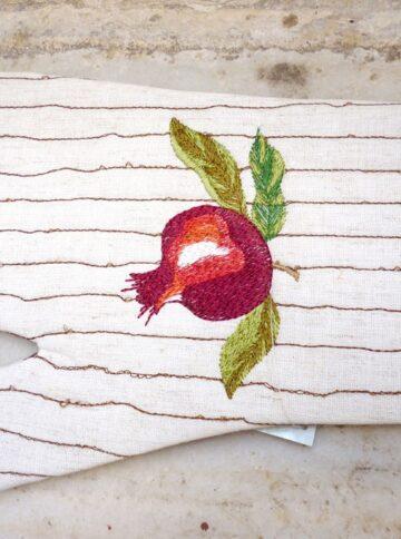 Embroidered kitchen glove