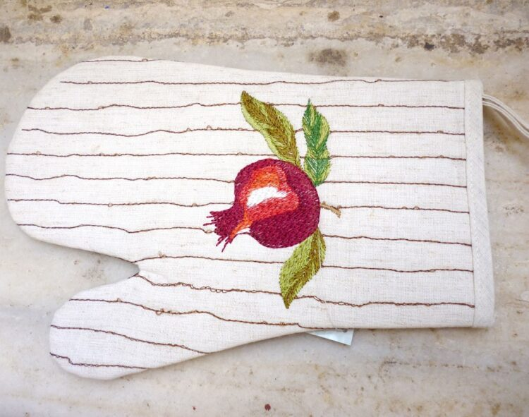 Embroidered kitchen glove