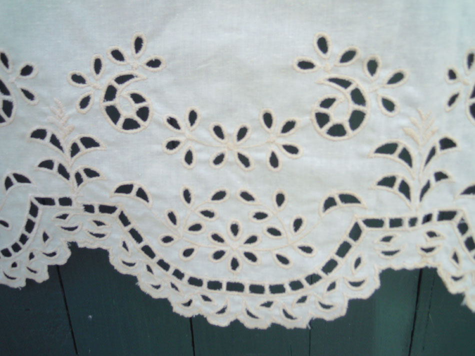 Cutwork curtain