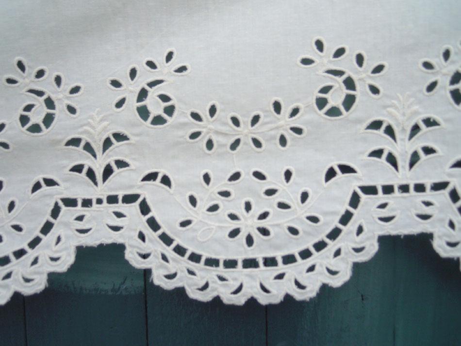 Cutwork curtain