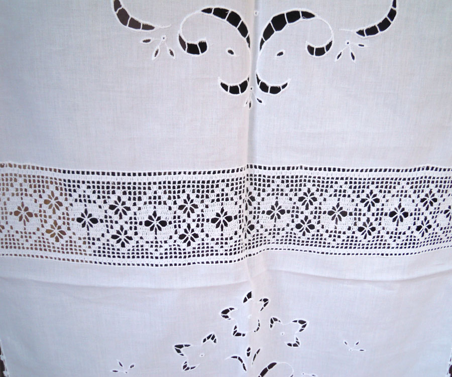 Handmade cutwork curtain with atrante and lace