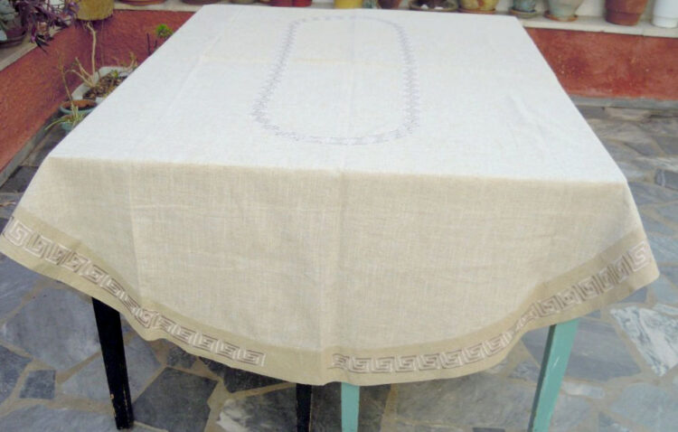 Oval embroidered tablecloth