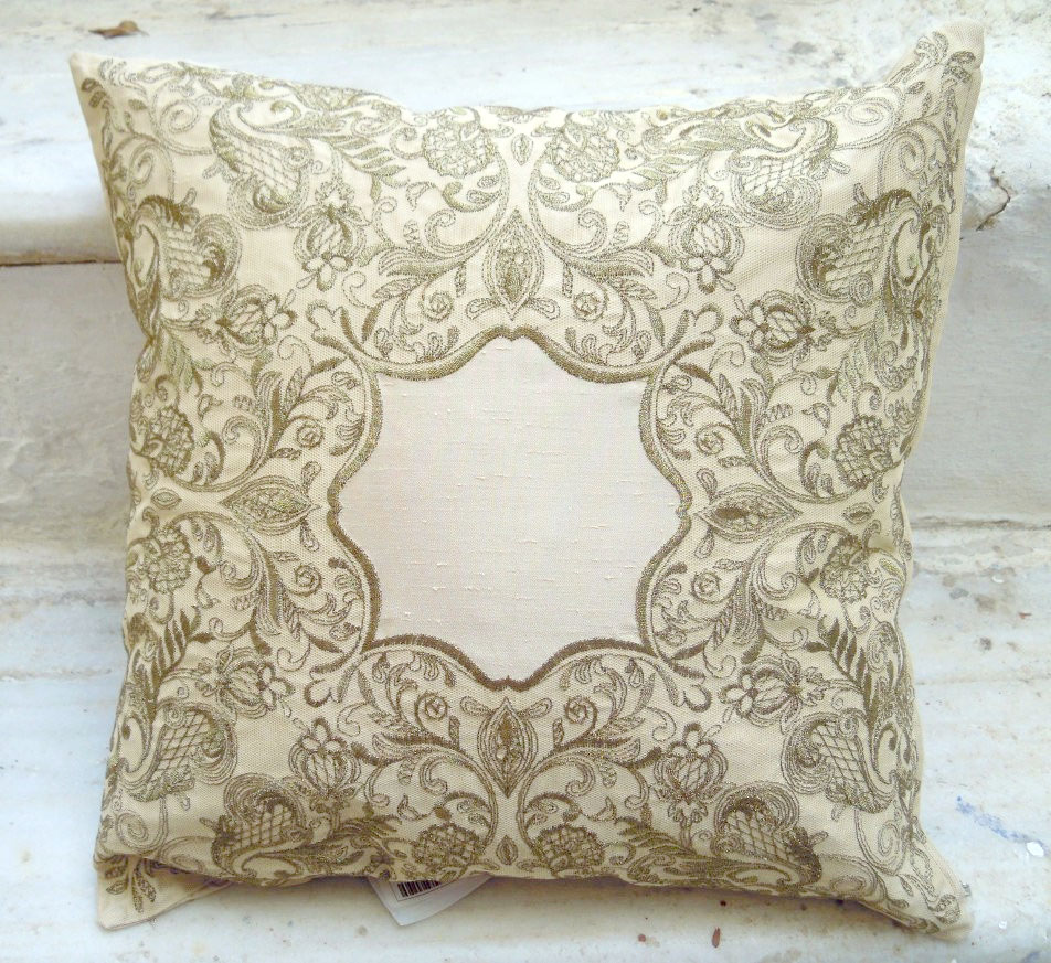 Cushion cover with embroidery