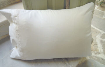 Vintage pillow cover with crochet