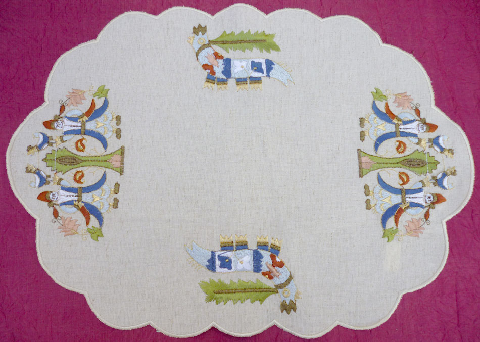 Placemats with satin stitch