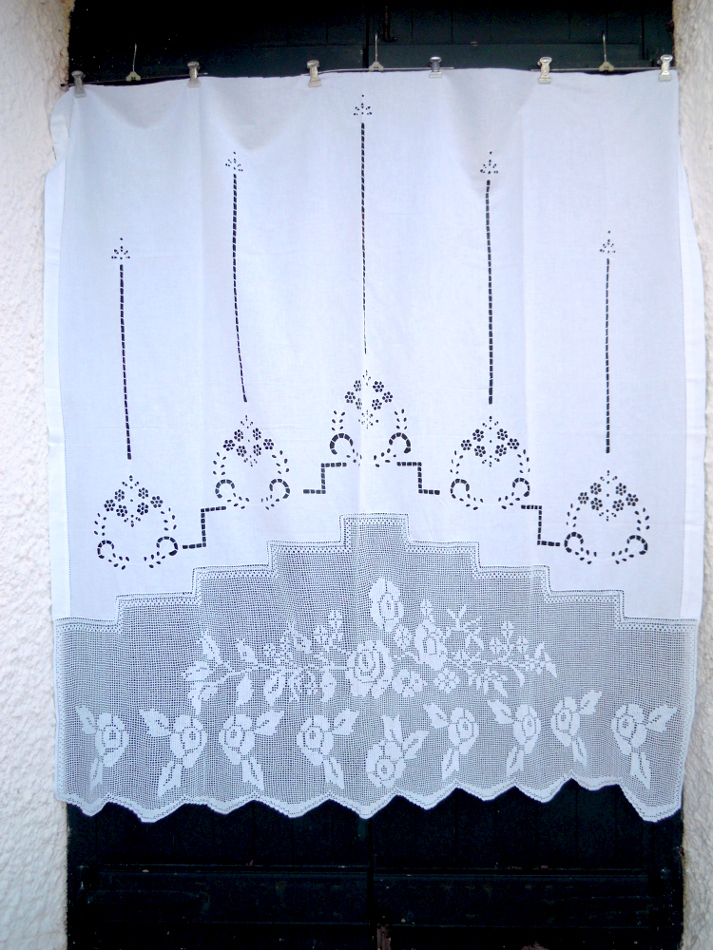 Handmade cutwork curtain with lace