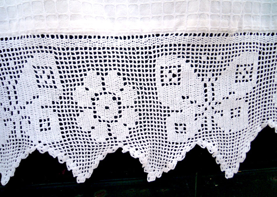 Vintage curtain with atrante and lace