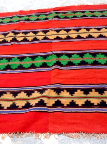 Vintage woolen kilim/rug