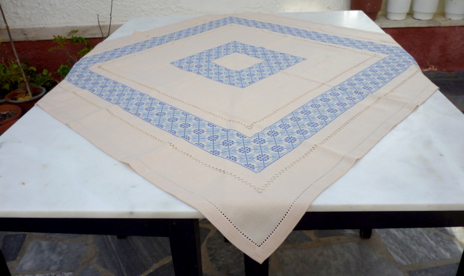 Square tablecloth with cross stich